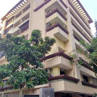 Office for sale in Neelam, Khar West