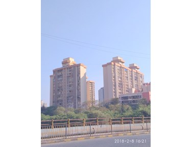 Flat on rent in Green Acres, Andheri West