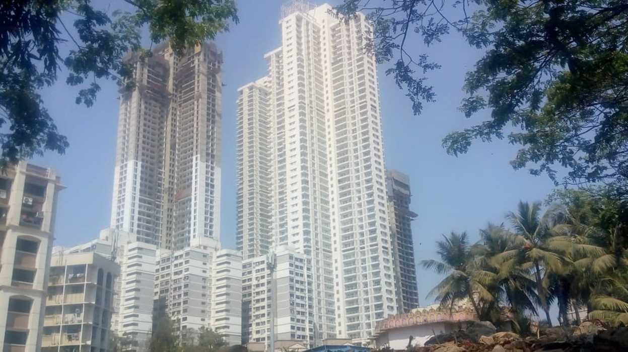 Building - Omkar Altamonte, Malad East