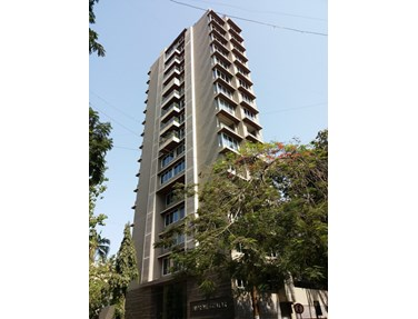 Flat for sale or rent in Supreme Stellar, Khar West