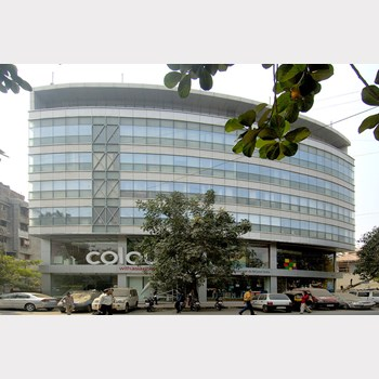 Office on rent in Dheeraj Plaza, Bandra West
