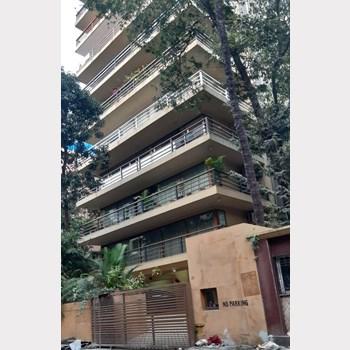 Flat on rent in Oberoi Crest, Khar West