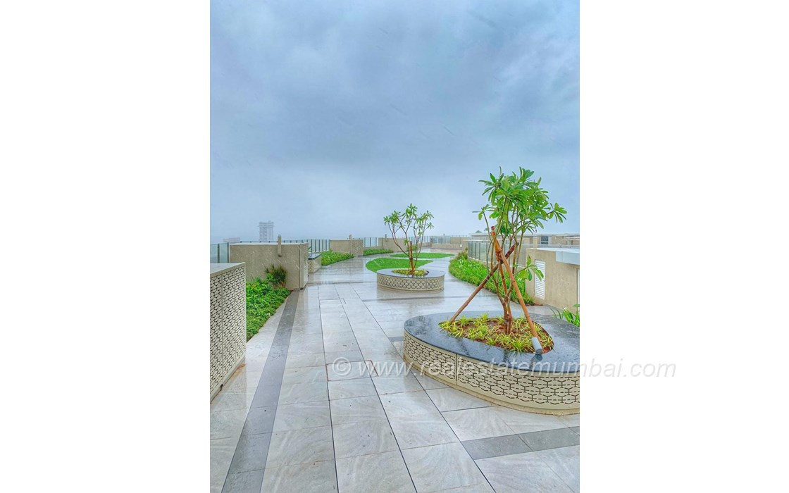 View7 - Runwal Elegante, Andheri West