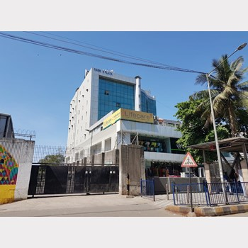 Office on rent in Cosmos Plaza, Andheri West