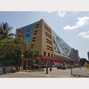 Office for sale in Laxmi Mall, Andheri West
