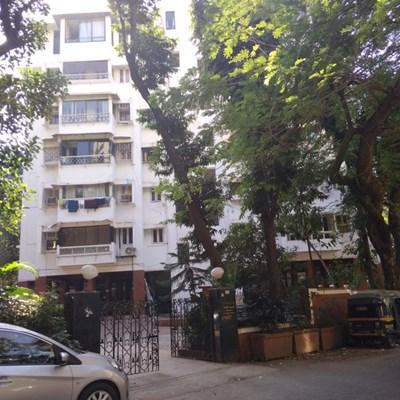Flat on rent in Apsara Cosmopolitan, Bandra West