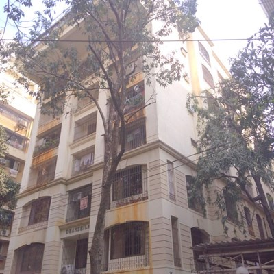 Flat on rent in Dhanshila, Khar West