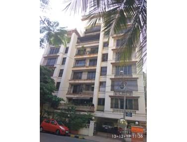 Flat on rent in Raheja Kamal, Bandra West