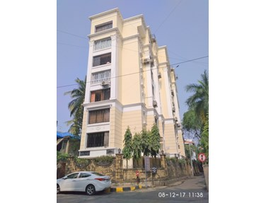 Flat on rent in Royal Manor, Bandra West
