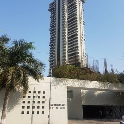 Flat on rent in Oberoi Sky Heights, Andheri West
