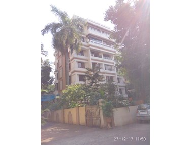 Flat on rent in Mon Repos Apartment, Bandra West
