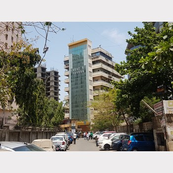 Office for sale or rent in Crescent Towers, Andheri West