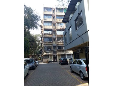 Flat on rent in Golden Palace, Bandra West