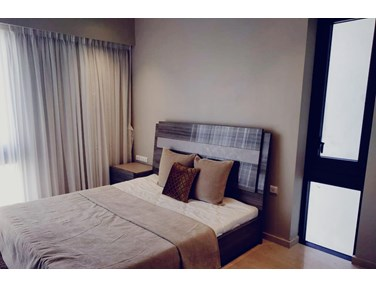 Flat on rent in Lodha Parkside, Worli