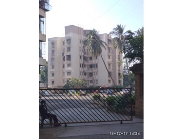 Flat on rent in Deccan Apartment, Khar West