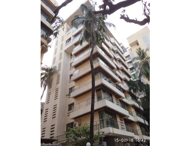 Flat on rent in Eminente II, Khar West
