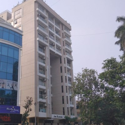 Flat on rent in June Blossoms, Bandra West