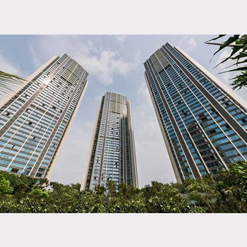 Flat on rent in Oberoi Esquire, Goregaon East