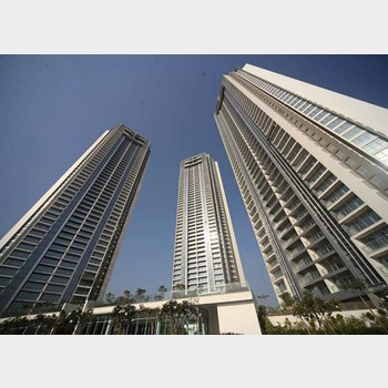 Flat for sale in Oberoi Exquisite, Goregaon East