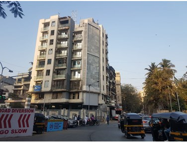 Flat on rent in Shiv Prisha Apartments, Juhu