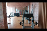 Gymnasium1 - Crescent Bay, Parel