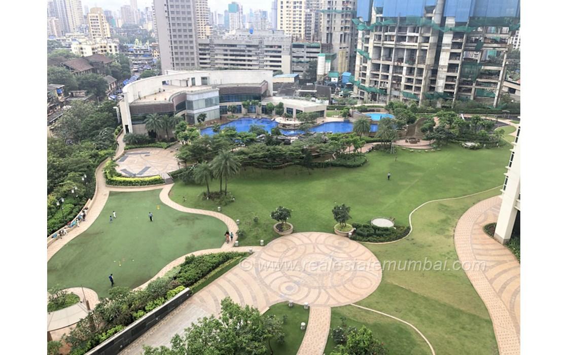 Garden - Raheja Vivarea, Mahalaxmi
