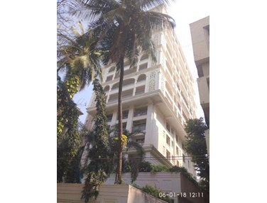 Flat on rent in Nair House, Khar West