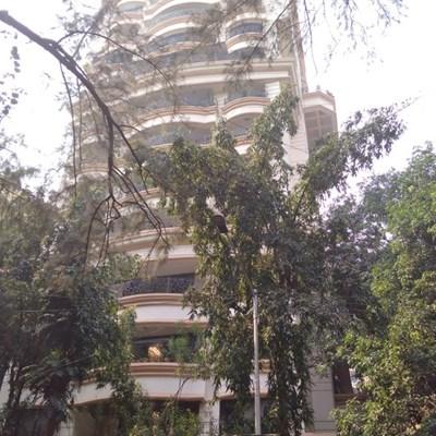 Flat on rent in Simran, Khar West