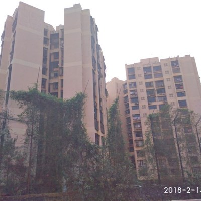 Flat on rent in Golden Rays, Andheri West