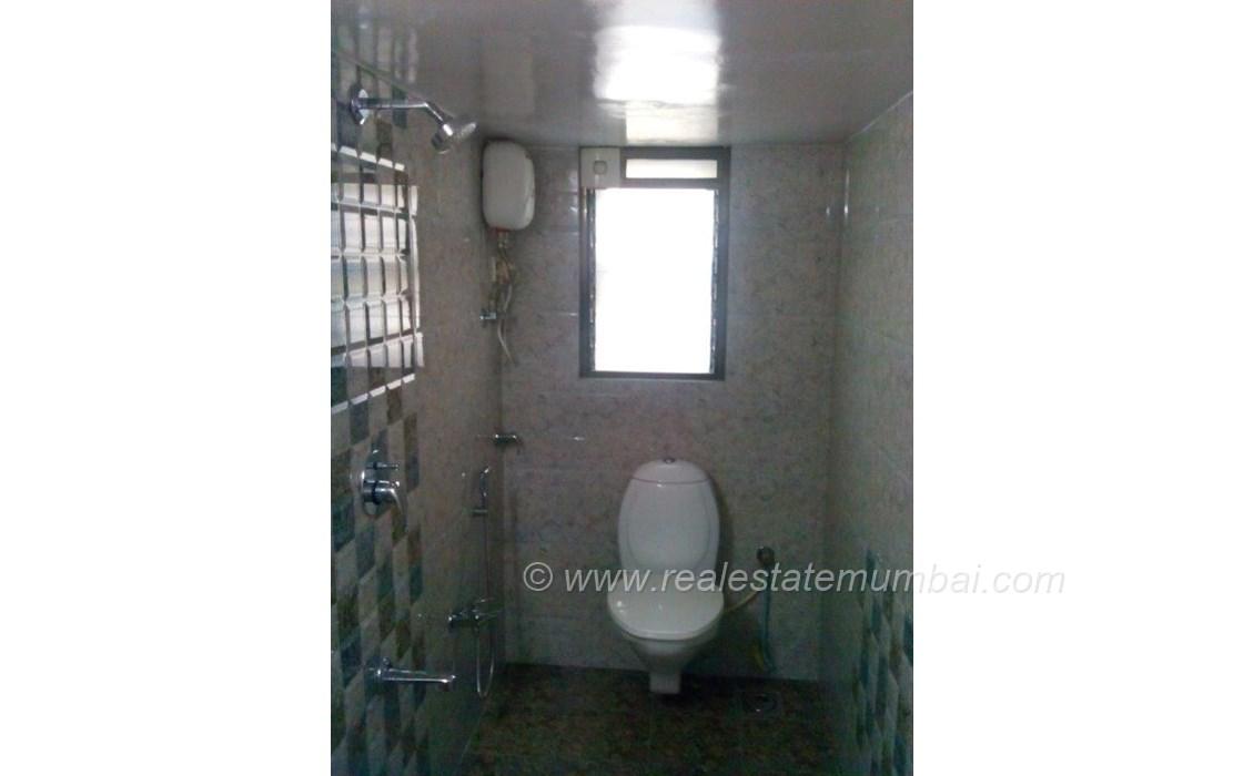 Bathroom 22 - Green Gates, Bandra West