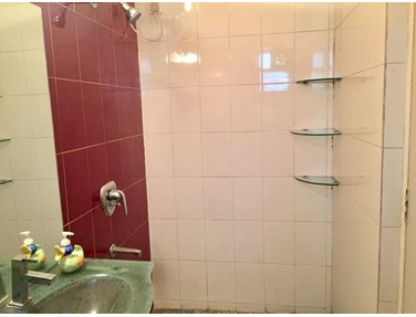 Flat on rent in Anuradha, Juhu