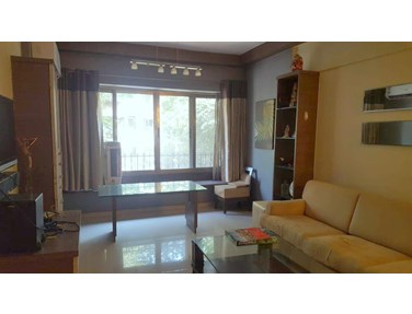 Flat on rent in Royal Gate, Andheri West