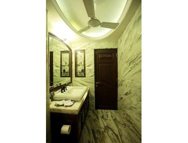 Master Bathroom - Chand Terraces, Bandra West