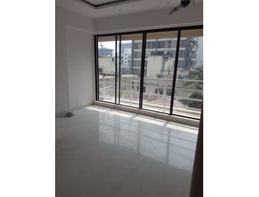 Flat on rent in Pawan Heights, Khar West