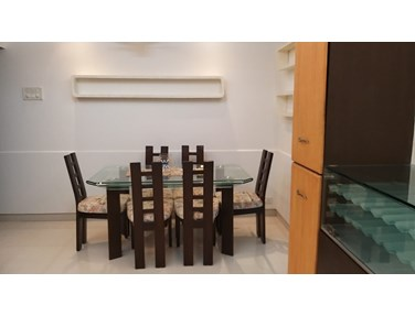Flat on rent in Ocean View, Khar West
