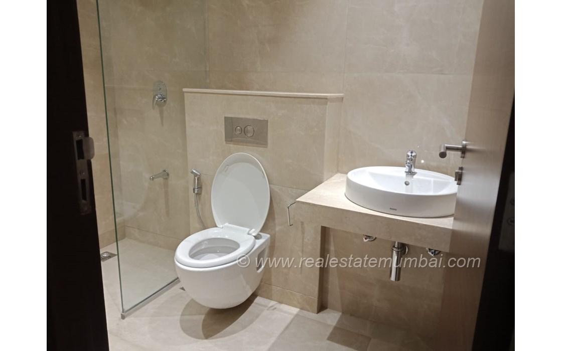 Bathroom 21 - One ICC Tower, Dadar East