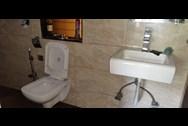 Bathroom 2 - Turning Point, Khar West