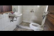 Bathroom 5 - Turning Point, Khar West
