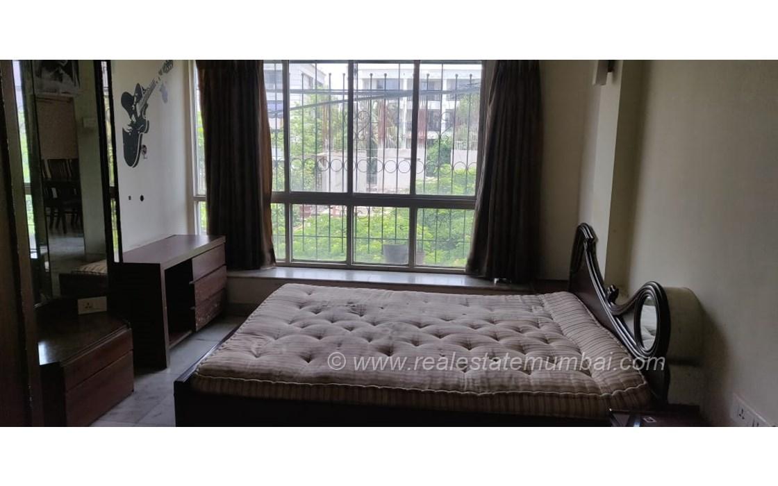 Master Bedroom - Turning Point, Khar West