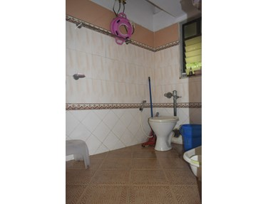 Master Bathroom - Reminess, Bandra West
