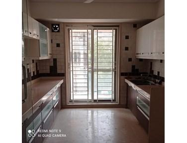 Flat on rent in Mayfair Bliss, Khar West