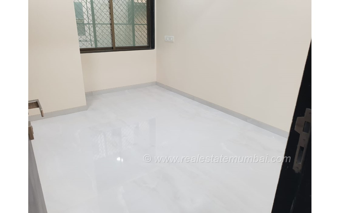 Master Bathroom1 - Manek Apartments, Santacruz West