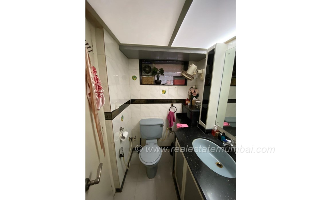 Building17 - Amber Apartment, Bandra West