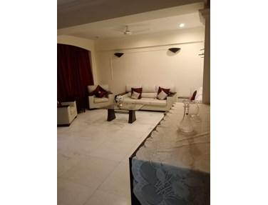 Building2 - Emly Apartments, Khar West