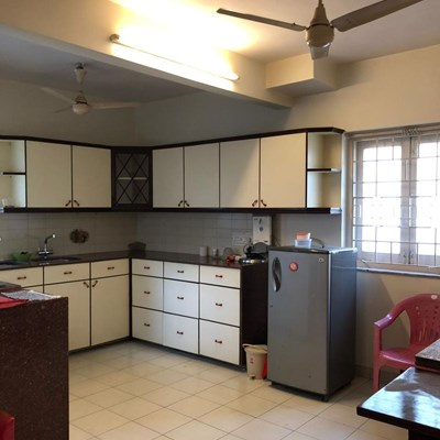 Flat on rent in Avinash, Khar West