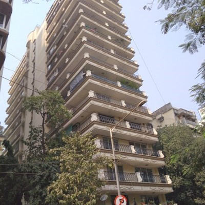 Flat on rent in Golden Tower, Khar West