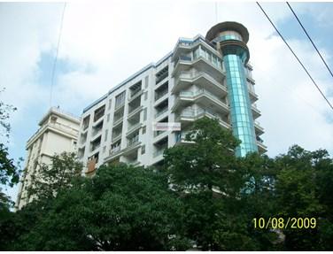 Flat on rent in Swaroski, Khar West