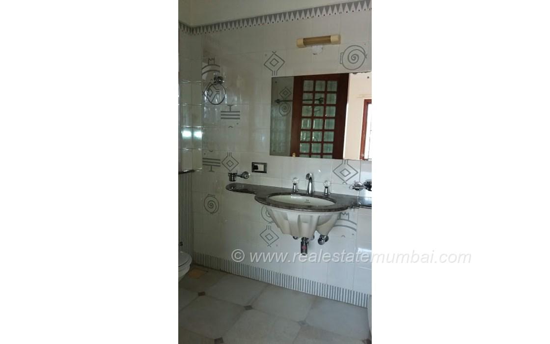 Bathroom 21 - Vinrita   , Bandra West