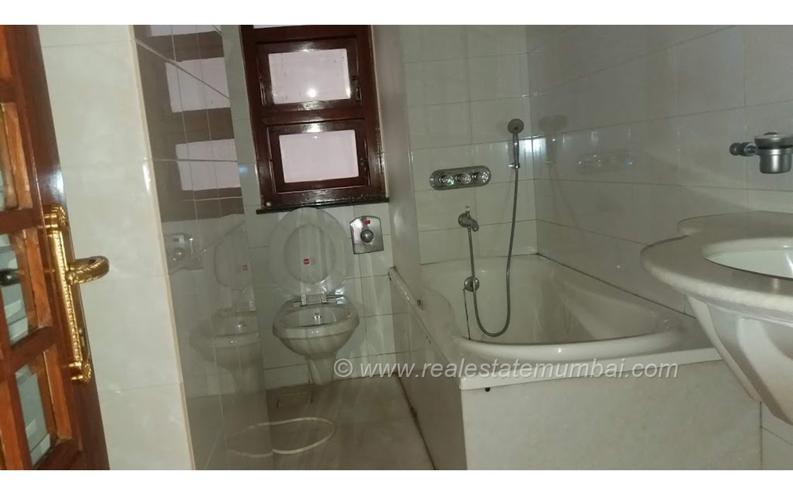 Bathroom 3 - Vinrita   , Bandra West