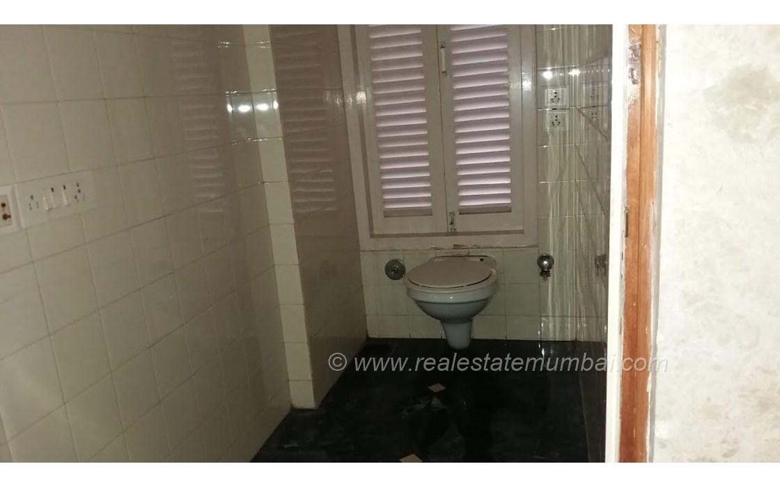 Master Bathroom1 - Vinrita   , Bandra West